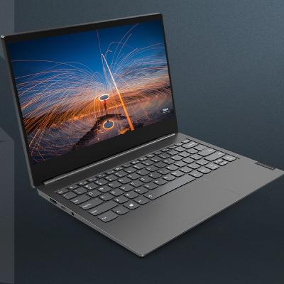 I Chromebook Lenovo finalmente in Italia, tutte le novità dell'estate con Federico Carozzi