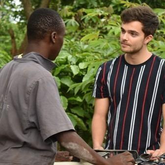 2020-05-03 Buddy Vedder bij Wild FM over reis naar Oeganda met Habitat