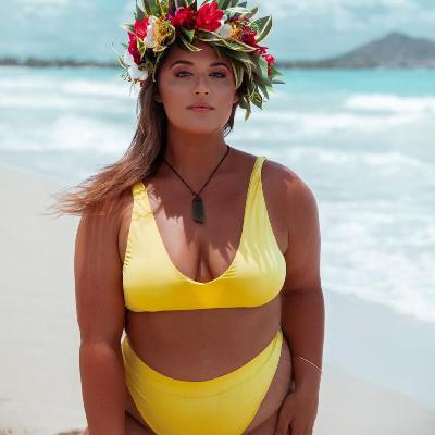 Ep. 51: Expanding The Image Of The Surfer Girl with Elizabeth from Curvy Surfer Girl