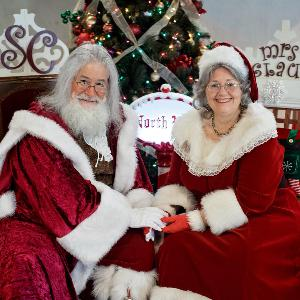 Santa Claus and Mrs. Claus Stop By