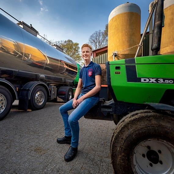 Niels laat zien hoe het boerenbedrijf écht werkt