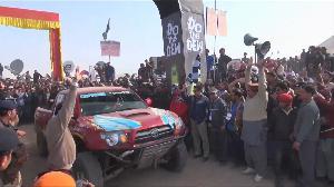 مراسلو الجزيرة- سباق سيارات بصحراء باكستان ومواجهة للتصحر بنواكشوط