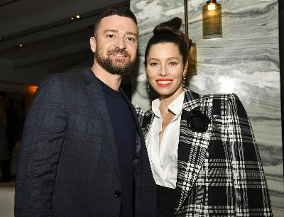 15: 09/24/21 - 'Game on!' Justin Timberlake and Jessica Biel Battle Over 'Scrabble' & it's Adorable