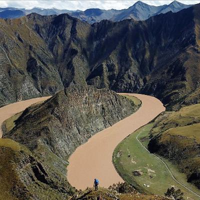 Walking the Yangtze: 4,000-miles Along China's Longest River with Extreme Adventurer Ash Dykes
