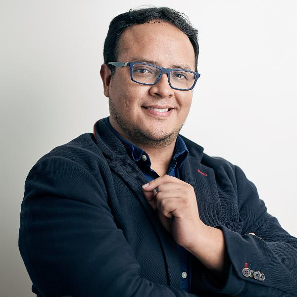 Episode 140: Fernando Angulo of SEMrush: Analyzing Mobile vs Desktop Traffic and Behavior