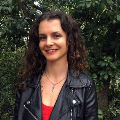 Sarah Russo - cannabis and other herbs for the apocalypse