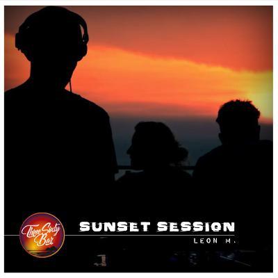 "LEON ► ""Sunset on Wax Session #1 // 360º Bar // Koh Phangan""."
