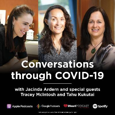 Prime Minister Jacinda Ardern talks with Tracey McIntosh and Tahu Kukutai