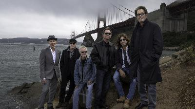 Huey Lewis Remains Remarkably Upbeat While Battling Hearing Loss