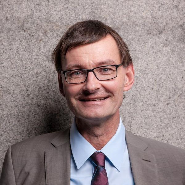 """Prof. Dr. Gerd Schwerhoff: """"L'affaire Mila"""" – eine kleine Schmähung und die großen Folgen.off Podcast zum Digitaltag L'affaire Mila"""
