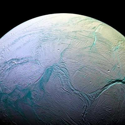 Correnti tumultuose nell'oceano di Encelado?