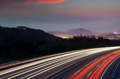 قسمت 5: ثابت بودن سرعت نور