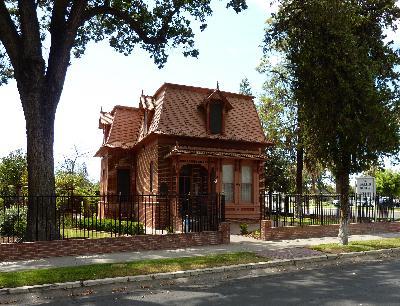 Ep. 359 - Zalud House