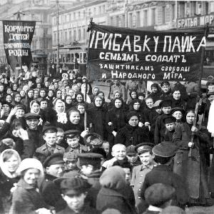 The Russian Revolution #3 - The Reds Return