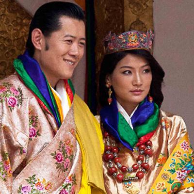 La reine et le roi du Bhoutan : une histoire de bonheur, de tradition et de modernité