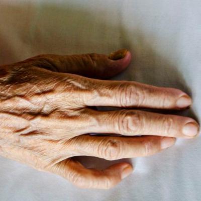 پدر پیرم میخواست کنار نوههایش بمیرد
