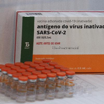 Vacinação com Coronavac pode paralisar em junho; e, no Rio, dos 27 mortos no Jacarezinho apenas 4 eram alvo de operação