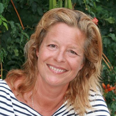 #126 Caroline Gleizes : J'arrête de vivre dans le désordre grâce au feng shui !