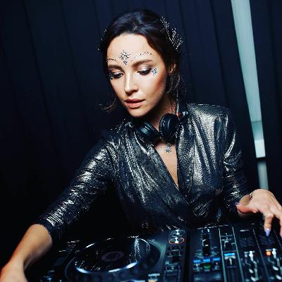 Arina Mur — DHM Podcast #1092 (March 2021)