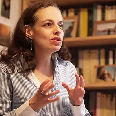 Lina María Aguirre: «Por curiosidad»