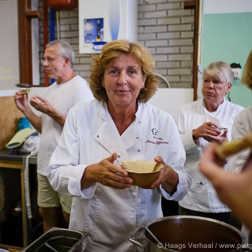 Aflevering 3, deel 2 - Les Amis de Cuisine