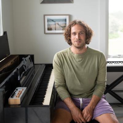 "Composer, Jackson Greenberg (AKA Jane Roe, Netflix ""Explained"" Theme)"