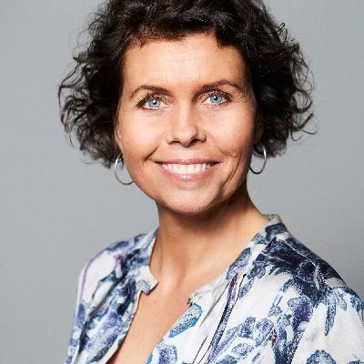 Hvordan kvinder kan maniFESTere sig som hele i et halvt samfund - samtale med Birgitte Baadegaard