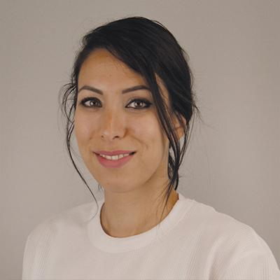 Halima El Ghamarti begon vlak voor Corona aan haar nieuwe baan: 'Het nieuwe normaal? Dat is hier mijn gewone normaal.'
