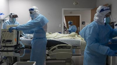 Hospitals Pushed To The Brink, Governors Warn Of Health Care Shortages