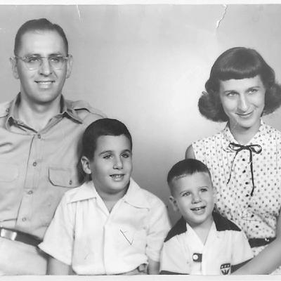 The Tobolowsky Files Ep. 72 – Boys Life