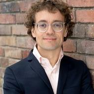 """Prof. Dr. Simon Meier-Vieracker: """"Dietmar Hopp du Sohn einer …"""" – Linguistische Überlegungen zu Schmähungen im Fußball"""