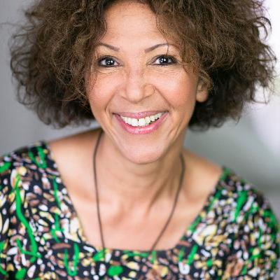 Épisode #53- Virginie Servaes : Trouver sa voix pour découvrir sa voie (son chemin)... avec une coach vocale !