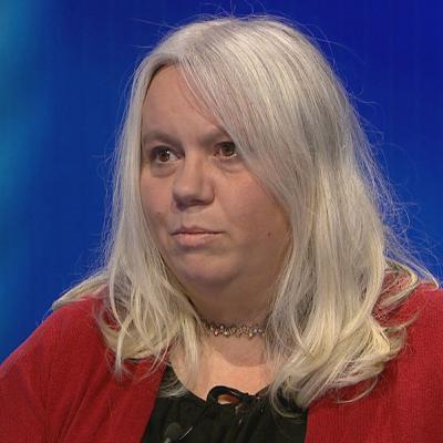 Chalušová: Rodiče nechtějí posílat děti do škol, aby netrpěly v rouškách (Interview Martiny Kuzdasové, 18. listopad 2020)