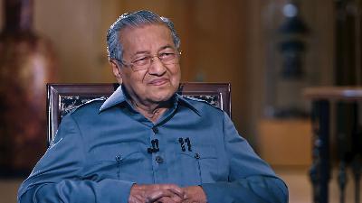 مهاتير محمد: لم أهتم بالانتقادات وأندم على عدم التعجيل ببناء المشاريع الضخمة في ماليزيا
