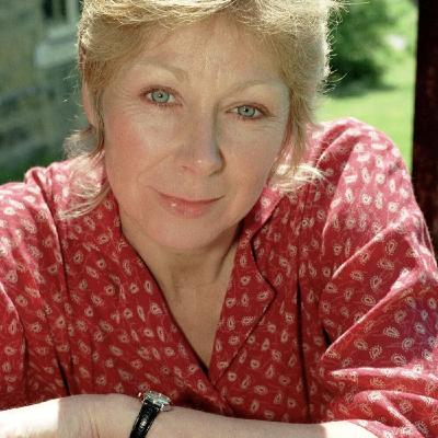 Emmerdale Memories Weekend Double Bill: Part 1 - Roberta Kerr on Playing Jan Glover in the 90s