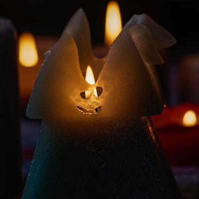 Кто покупает свечи за 700 долларов