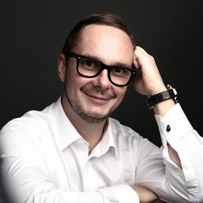 #12. Дмитрий Ткаченко о сыворотке правды и бане для установления полезных связей
