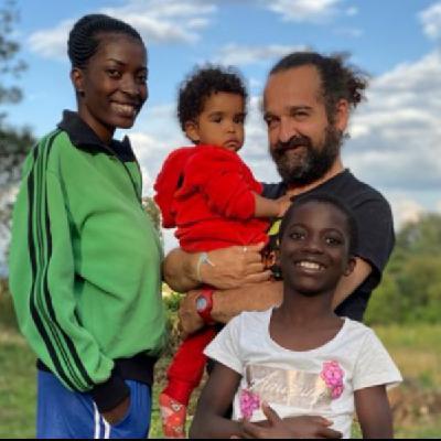 """La lucha de un padre gaditano por traer a España a su hija congoleña: """"Yo no me rindo, seguiré luchando"""""""
