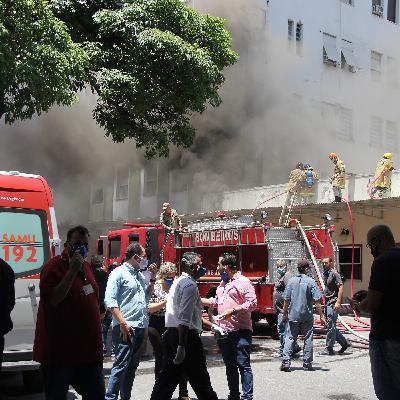 Incêndio em hospital no Rio deixa dois mortos e o novo adiamento da análise de afastamento de Ricardo Salles