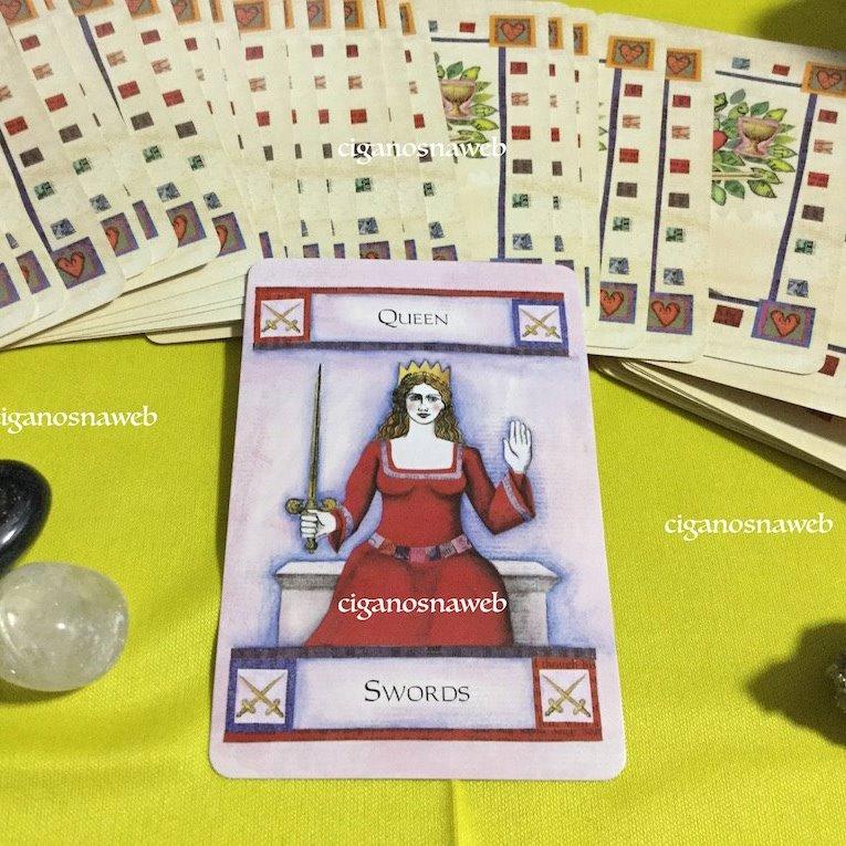 Tarot da Semana - Rainha de Espadas