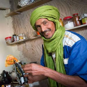 Interview mit dem Nomaden Mohammed im Café Tembain in der Sahara in Tunesien (Teil 1)