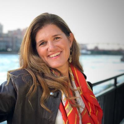 73 Dolores Hirschmann: How to Clarify Your Business's Cornerstone Idea