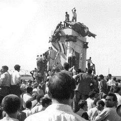 33 - موافقت شاه و «کودتای ناکام ۲۵ مرداد»
