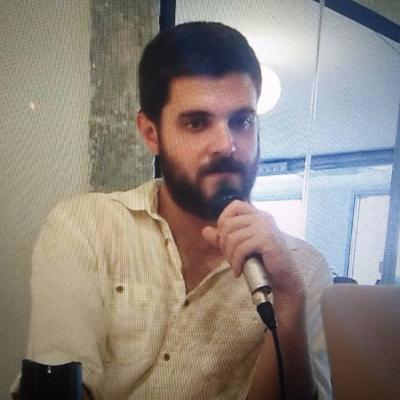 Marti rubio - Spanish, writer, got inspiration by helping Syrian refugees in Greece