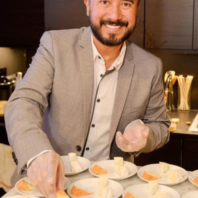 Episode 389: Promoting French Cheese Around the World: Charles Duque