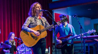 20 Years Later, Sarah Harmer's New Album Reconnects With Her Solo Debut