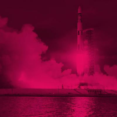 """היסטוריה בארה""""ב: טיסת הסחר הראשונה לחלל"""