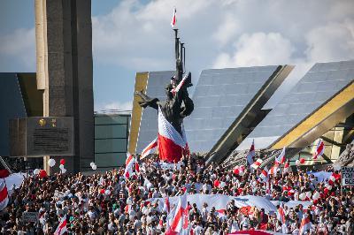 Лукашенко получил протестное голосование и электоральную революцию. Чалый про то, что будет дальше