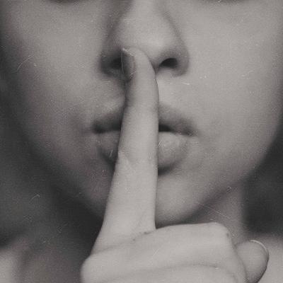 531 - Silêncio, por favor! Silent S e Silent B em inglês!