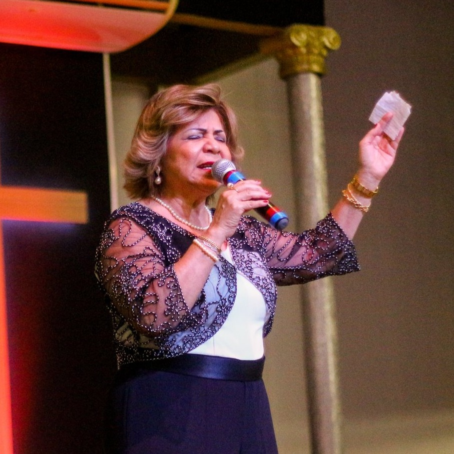 ministração pastora Marlene domingo a noite